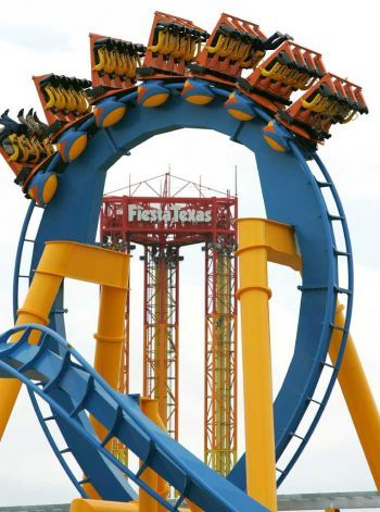 What To Do Memorial Day Weekend Theme Parks Rides Roller Coaster Amusement Park Rides