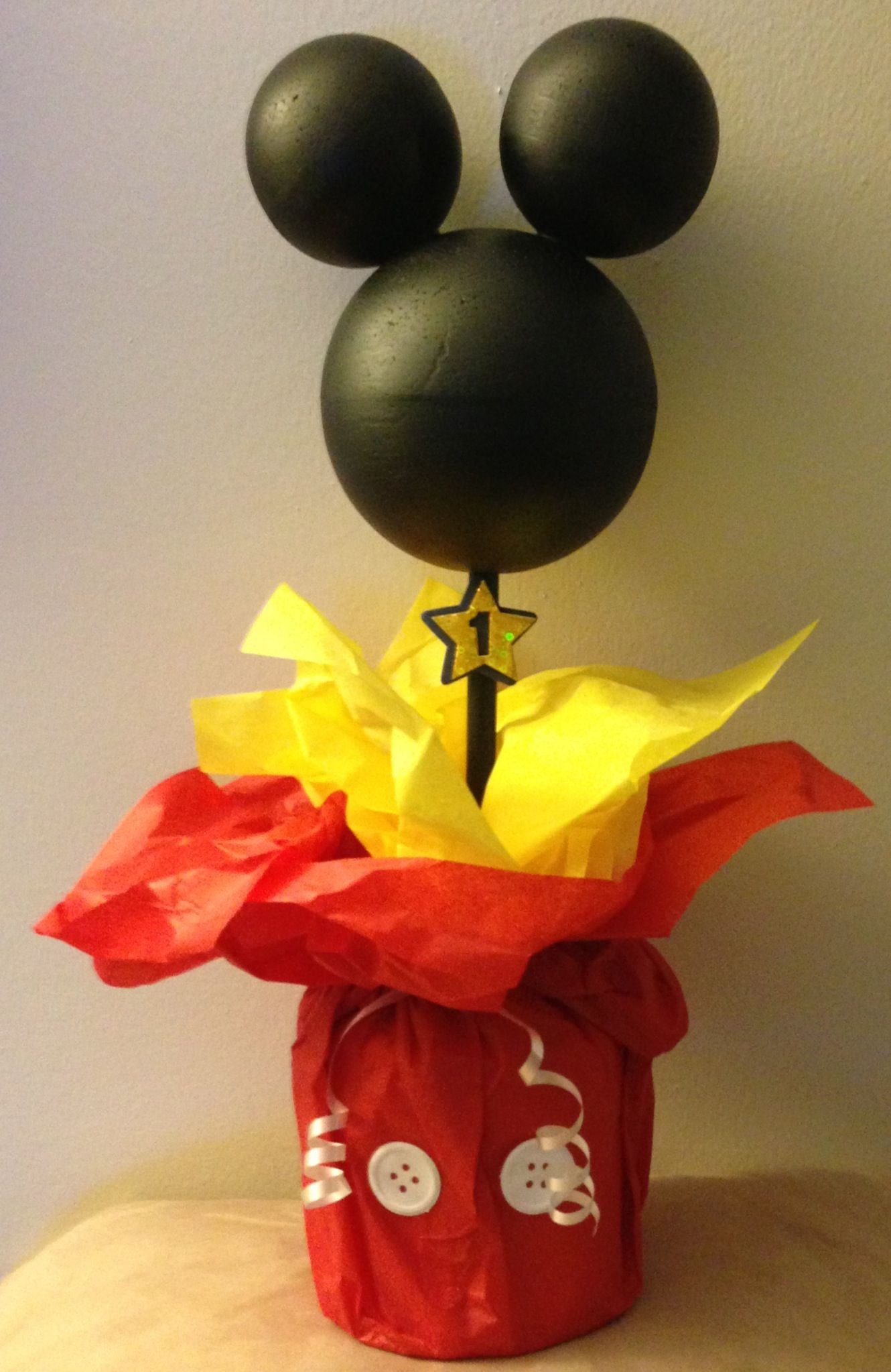 Mickey mouse diy decorations 1st birthday pinterest for Mickey mouse home decorations