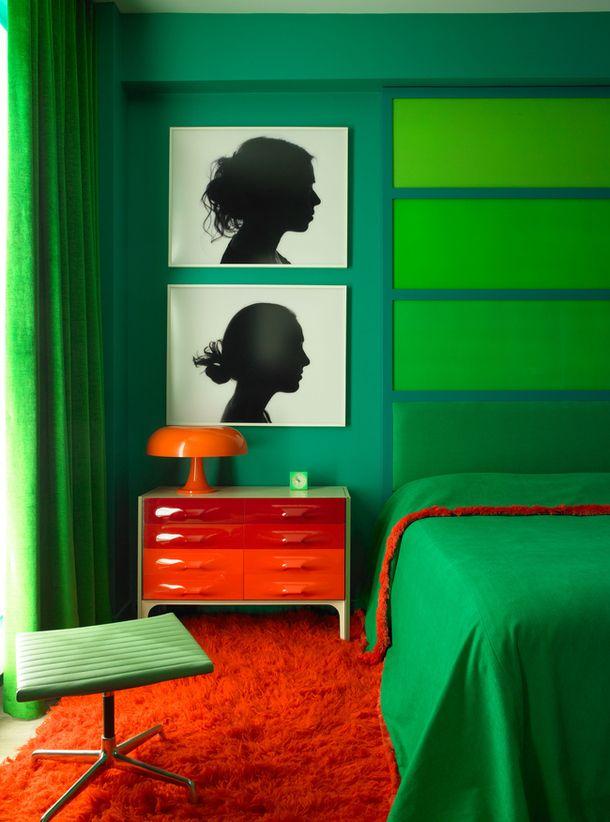 Green walls | Orange floor | 2 ombré effects in one room