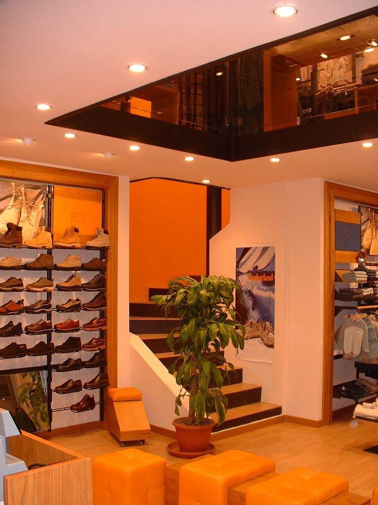 Retail Timberland Napoli Arredamento, Case, Spazi