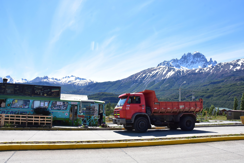 Autobús reconvertido a restaurante en Villa Cerro Castillo