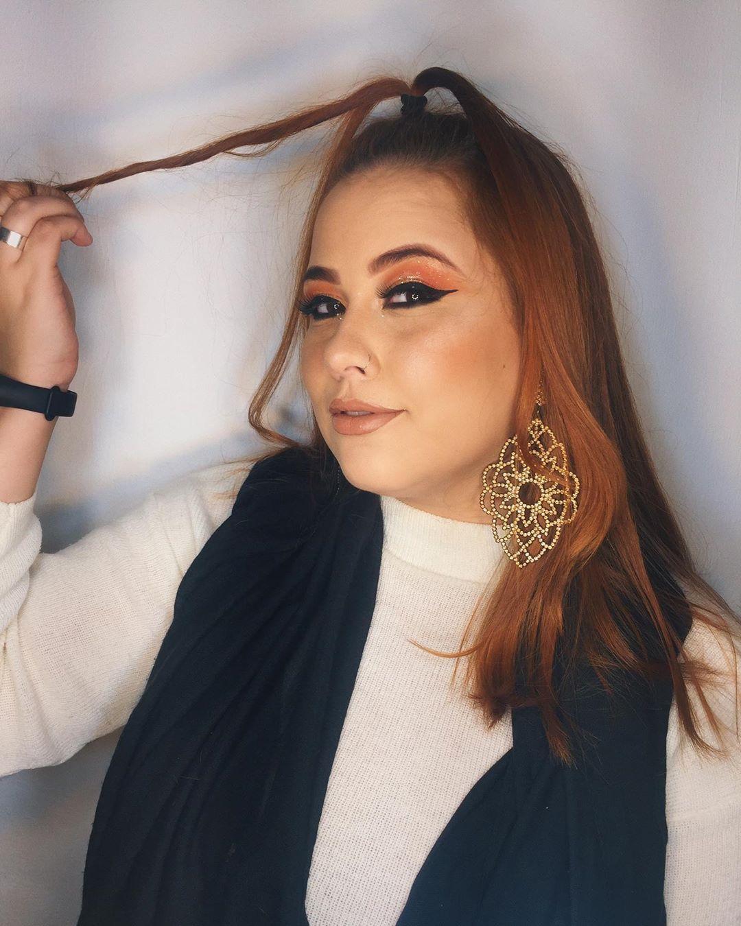 - Que toda negatividade a nós destinada volte em forma de amor!  Makeup: @_lacerdamakeup . . . #makeup #boanoite #fot...