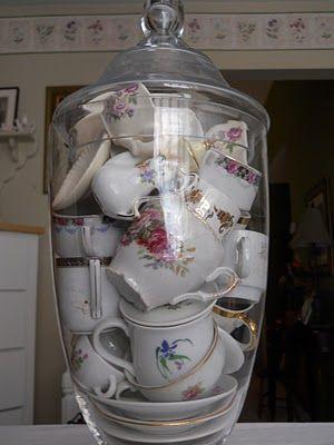 small tea sets under glass #teasets