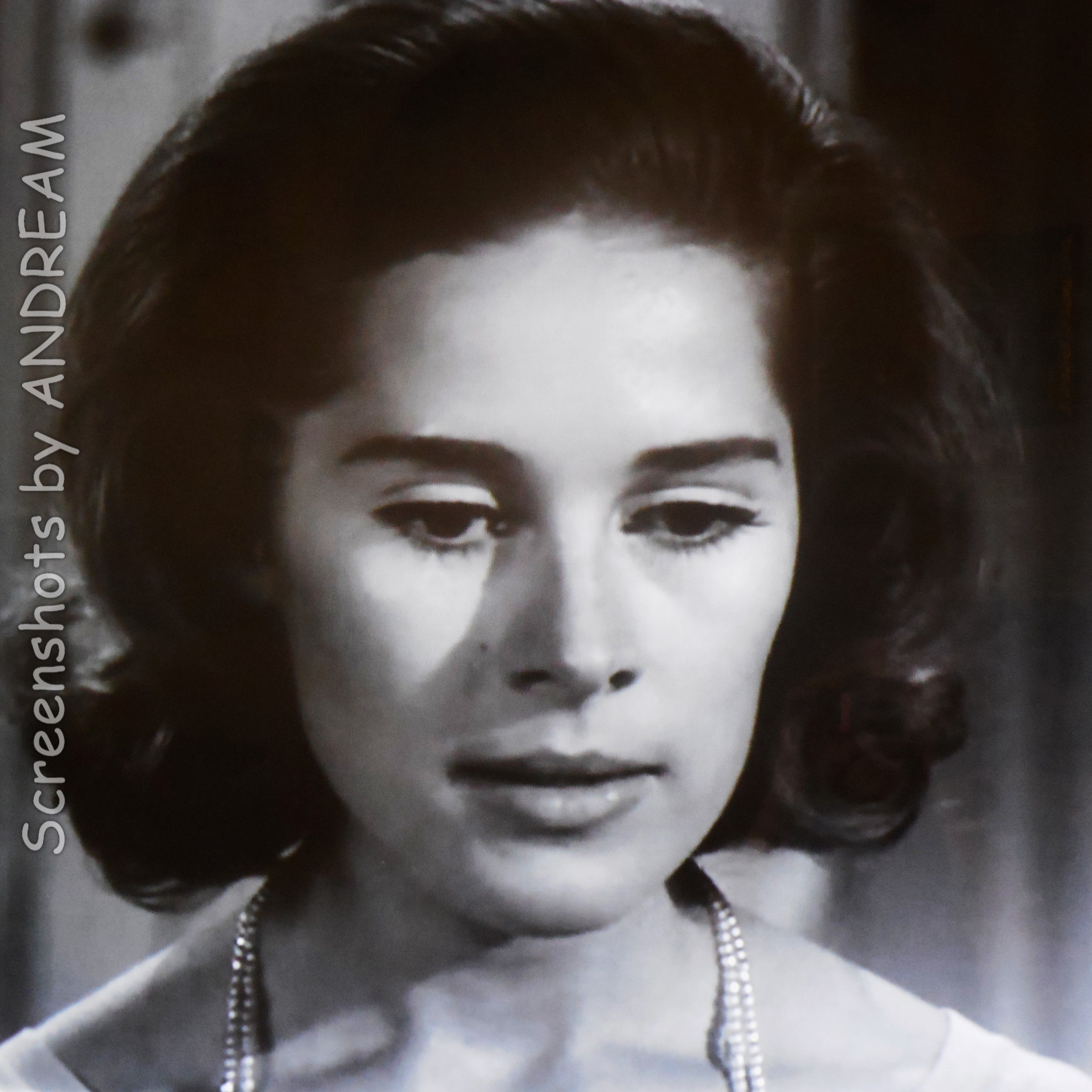 Joan Hackett Guest Star A Piano In The House 1962 The Twilight Zone Twilight Zone Hackett Joan