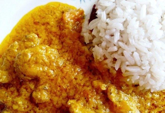 Curry-s pulyka áfonyás-fahéjas rizzsel recept képpel. Hozzávalók és az elkészítés részletes leírása. A curry-s pulyka áfonyás-fahéjas rizzsel elkészítési ideje: 75 perc