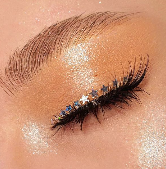 The ultimate festival beauty inspiration in 18 show-stopping looks The best makeup and nail art inspiration for your festival beauty look this summer (featuring plenty of face gems, sequins and glitter)... #hairmakeup