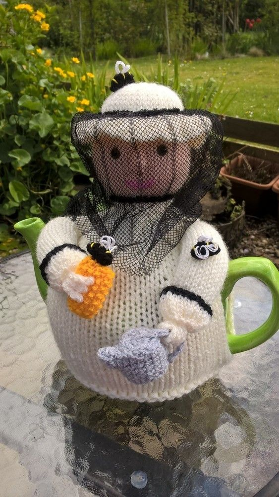 Beekeeper Tea Cosy | Knitting | Pinterest | Teteras, Muñecas y Navidad