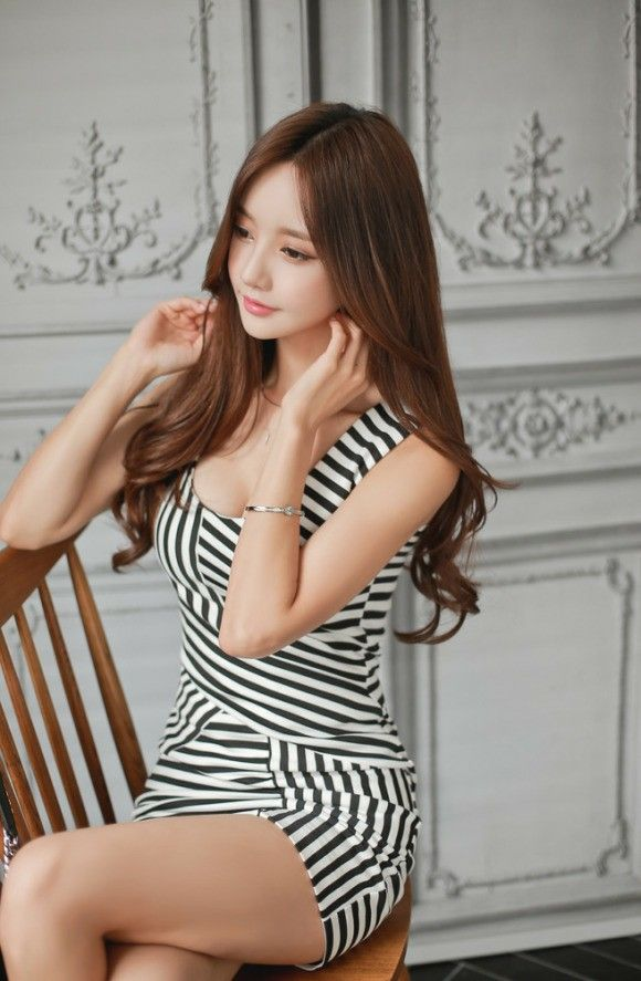 xxx nude girls: Yoon Joo Ha - Seoul Auto Salon 2012