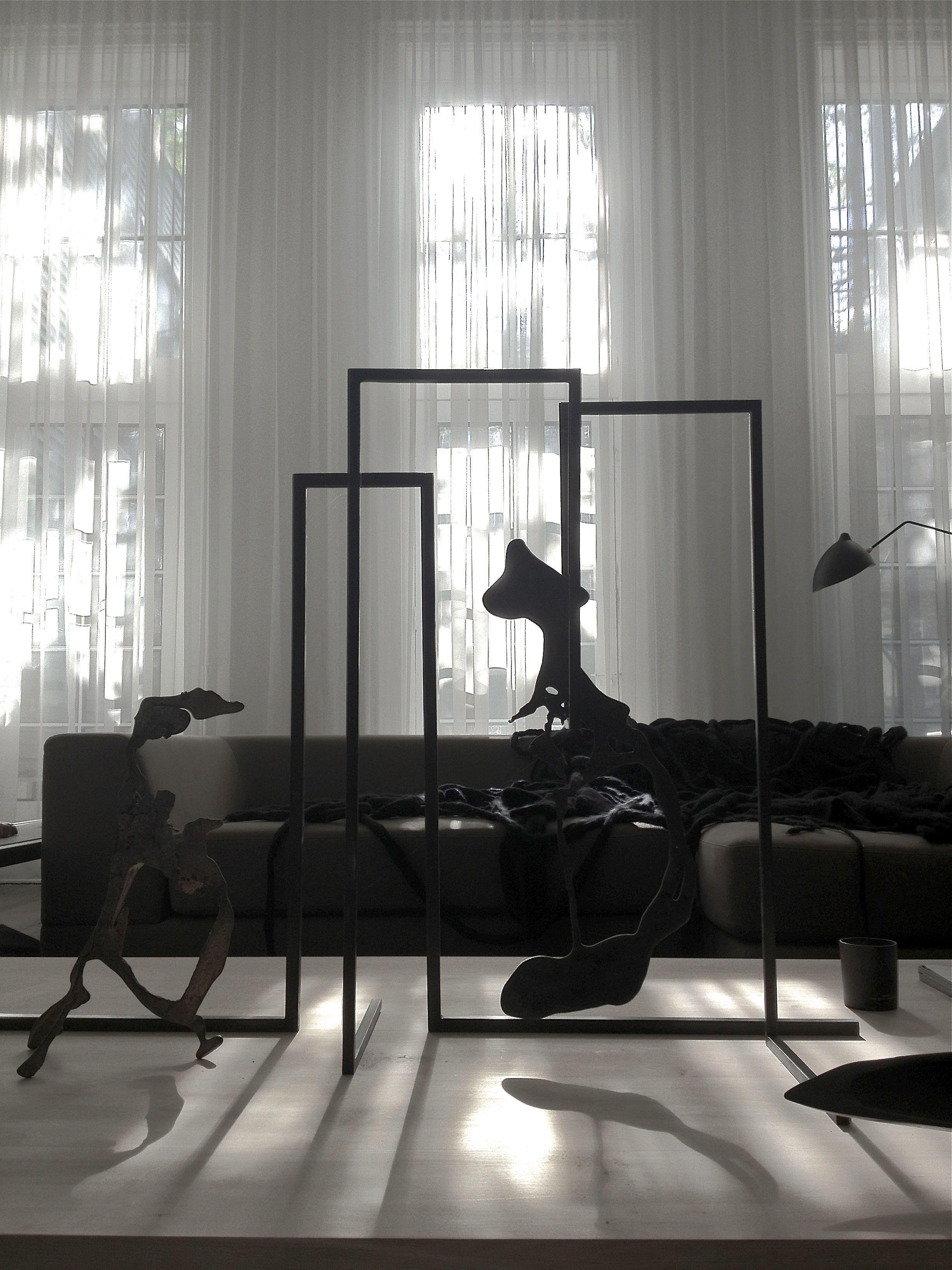Lukas Machnik Interior Design Close Up Detail Of The Formal Living Room Coffee Table Arrangment