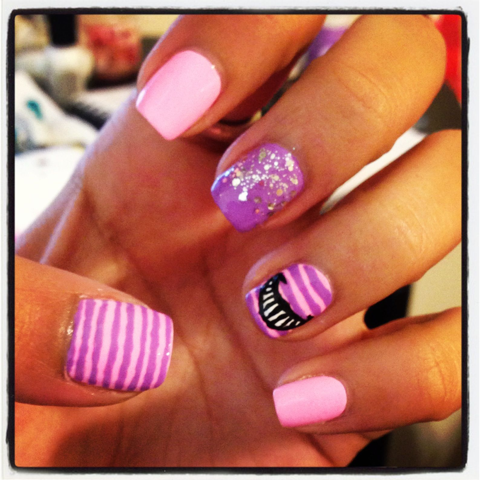Cheshire Cat nail art! I love love love these!!! So cute and girly ...