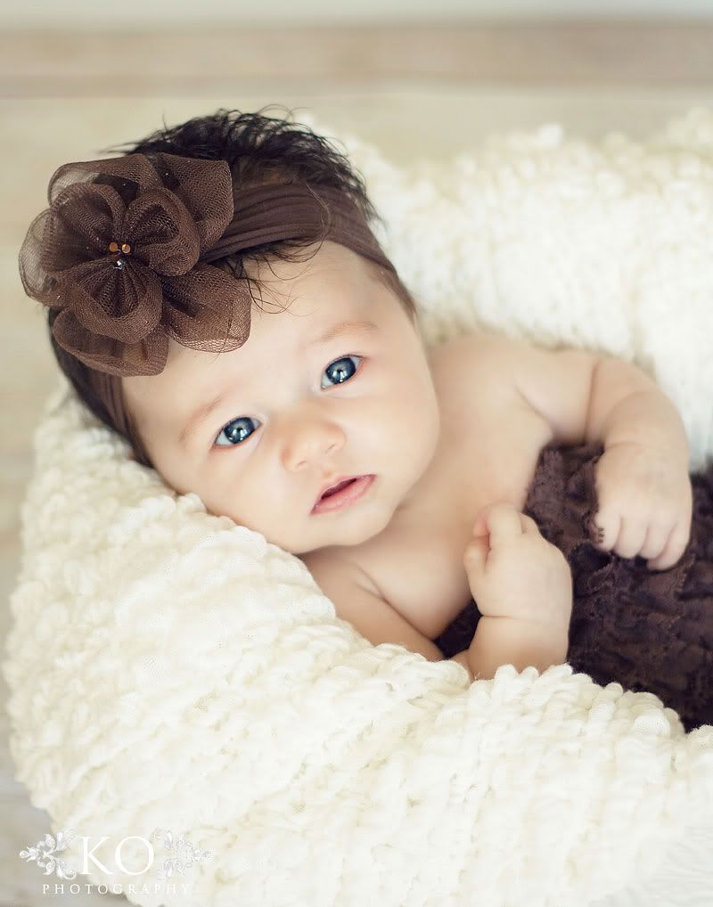 Brown Hair Blue Eyed Sweetheart Baby Girl Blue Eyes Brown Hair Blue Eyes Blue Eye Kids