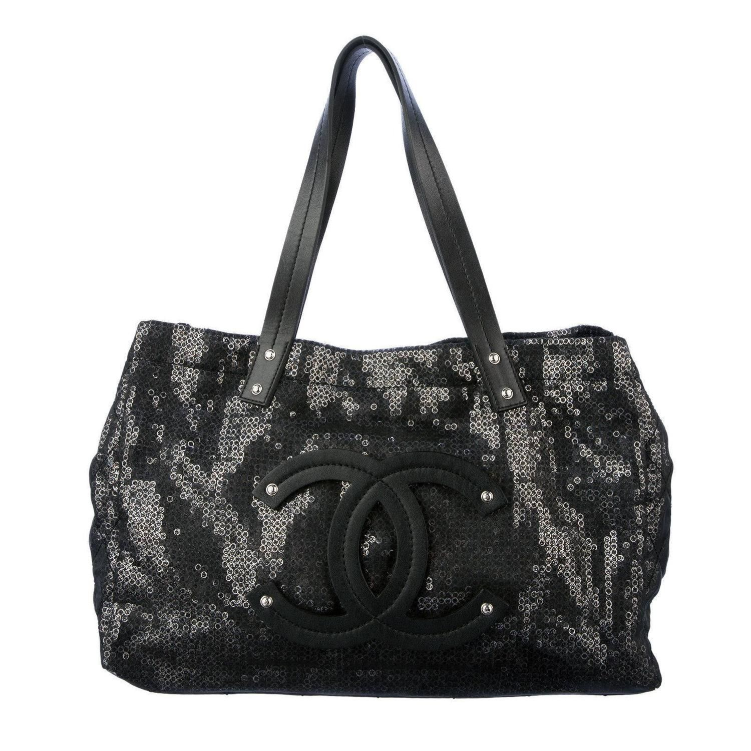 d82953f12339 Chanel CC Leather Logo Large