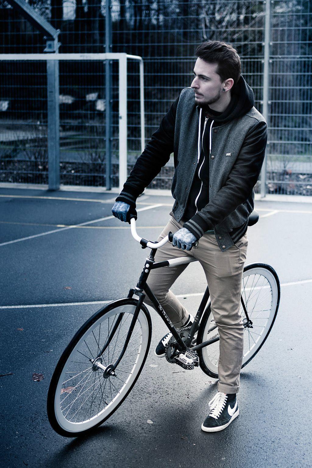 FST Handwear Collection Automne/Hiver 2012/2013  Modèle : Ride or Die  / Photo : Simon Baret