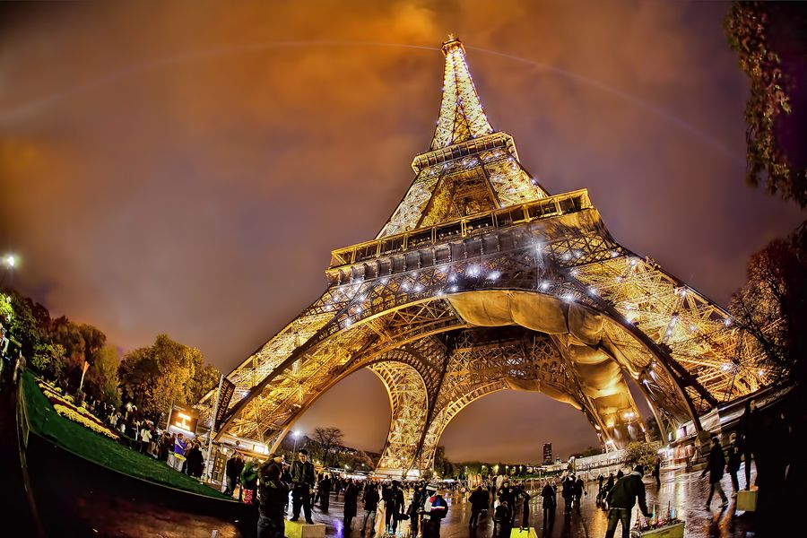 Eiffel la belle.... by Claude Bencimon
