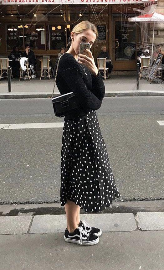 Photo of kjolar med medel längd.