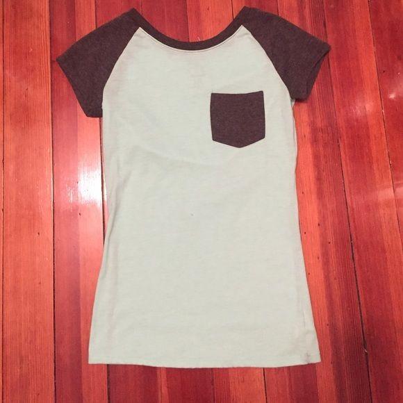 Plain Tshirt with pocket mint green T-shirt with gray sleeves and gray pocket zumez Tops Tees - Short Sleeve