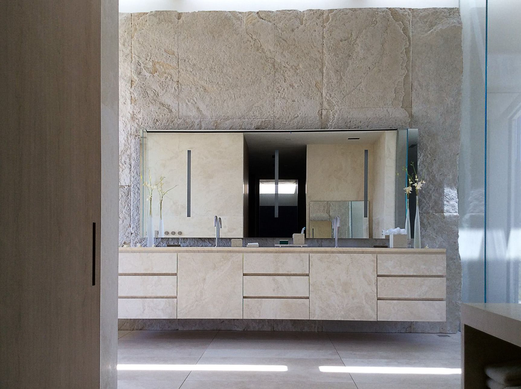 Travertine Bathroom Villa Los Angeles Rios Clementi Project Lorraine