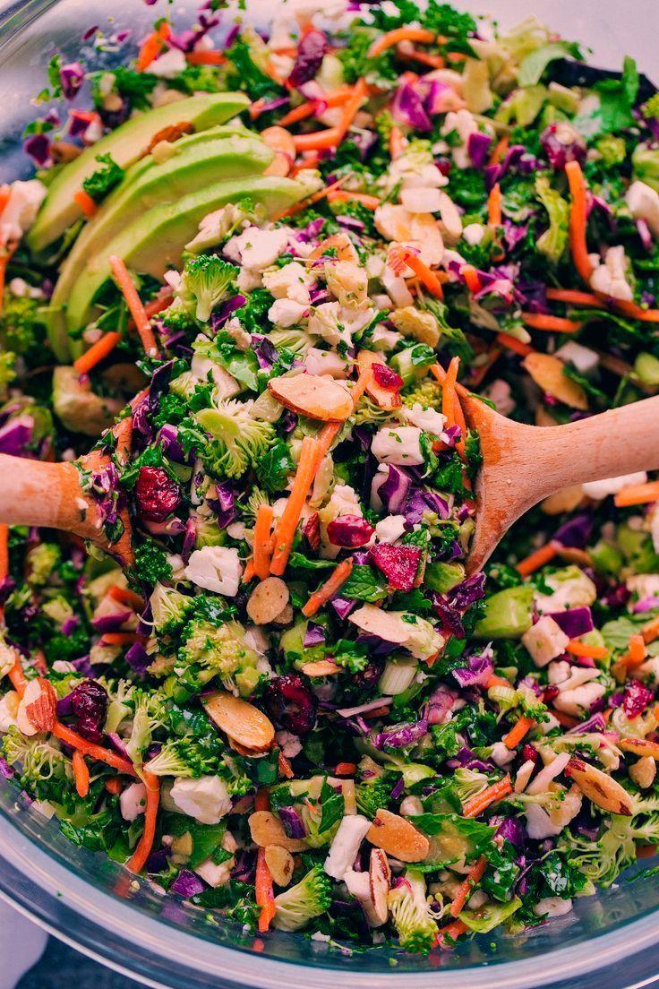 Detox Grünkohlsalat   - Fitness-Salate (gesund, vegan) - #Detox #FitnessSalate #Gesund #Grünkohlsala...