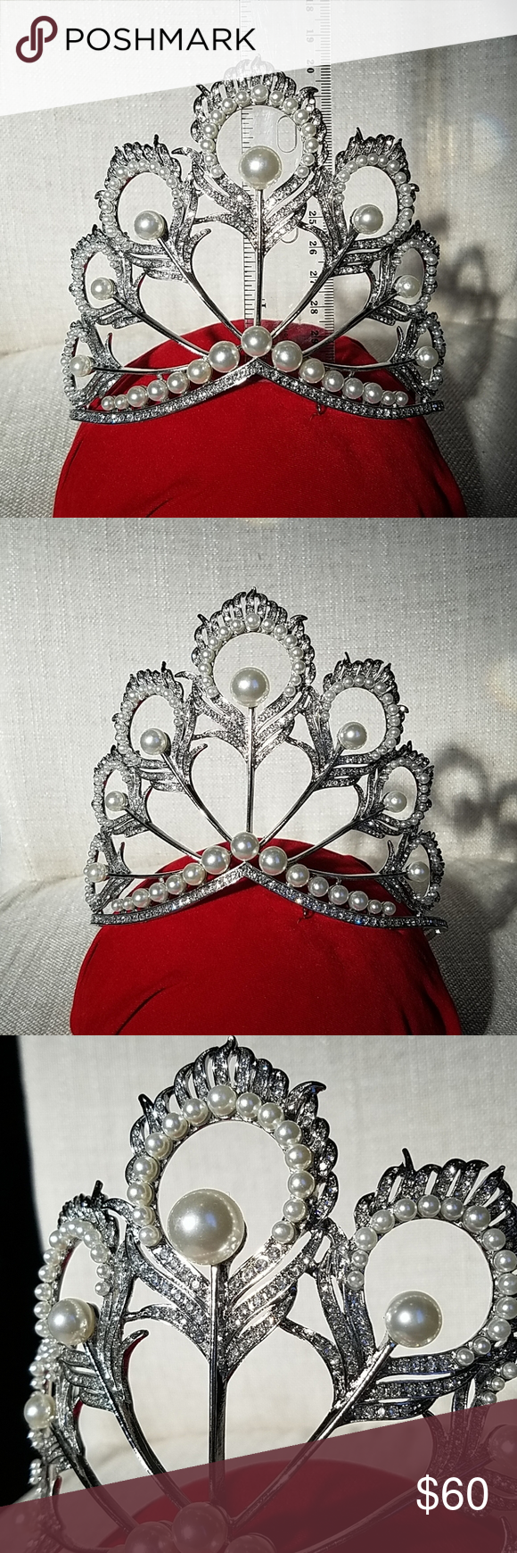Replica of miss universe crown in 2020 Miss universe