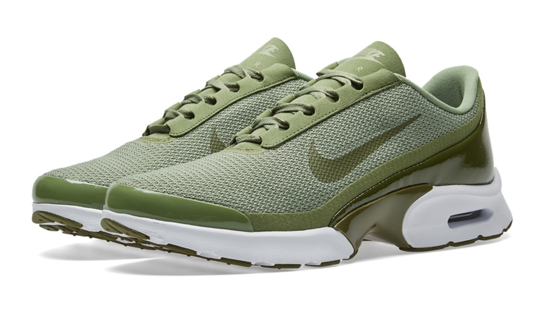 The Nike Air Max Jewell Palm Green is showcased and consists