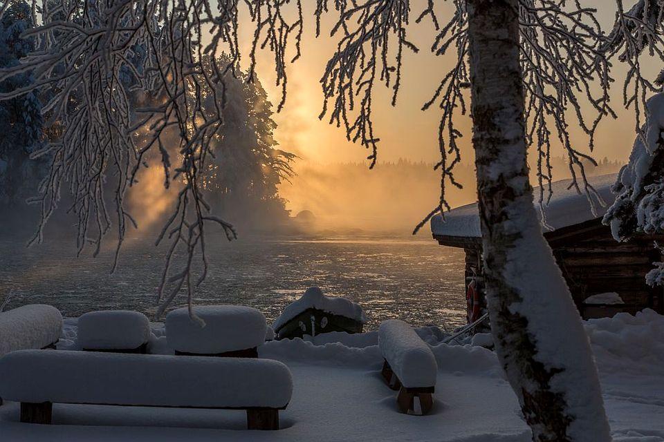 Talvinen maisema Kapeenkoskelta.