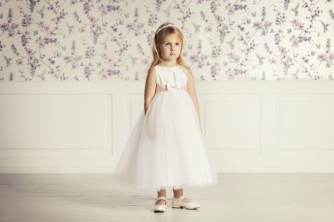Pin auf Blumenkinder & Kinderkleider Hochzeit Dekor
