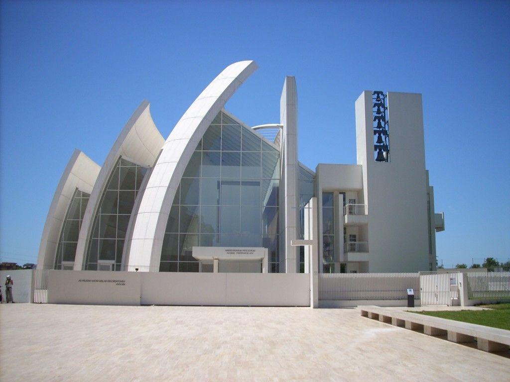 Jubilee Church, Rome, Italy (2003) – Richard Meier.