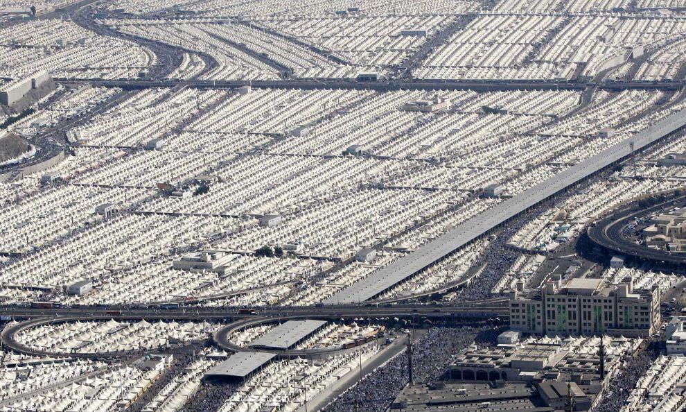 H08 17294125 Jpg 990 594 Mecca Google Maps Satellite City