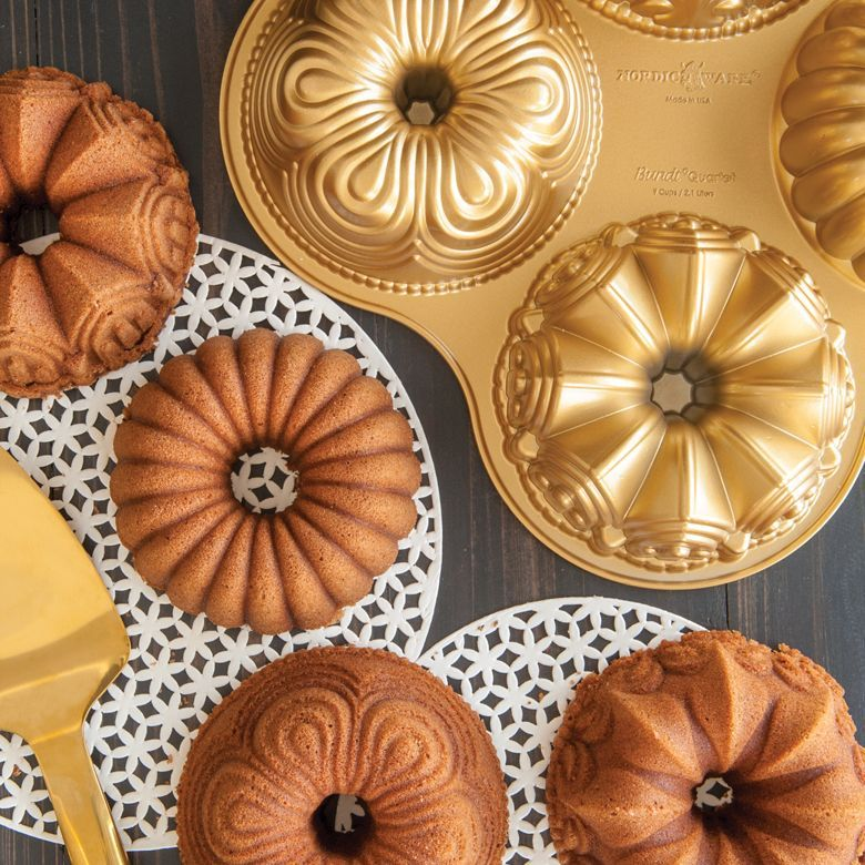 Pin By Katia Kelly Conceicao On Quando Eu For Rica In 2020 Savoury Cake Bundt Cake Pan Nordic Ware