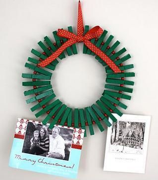 X-mas wreath w/clothes pins