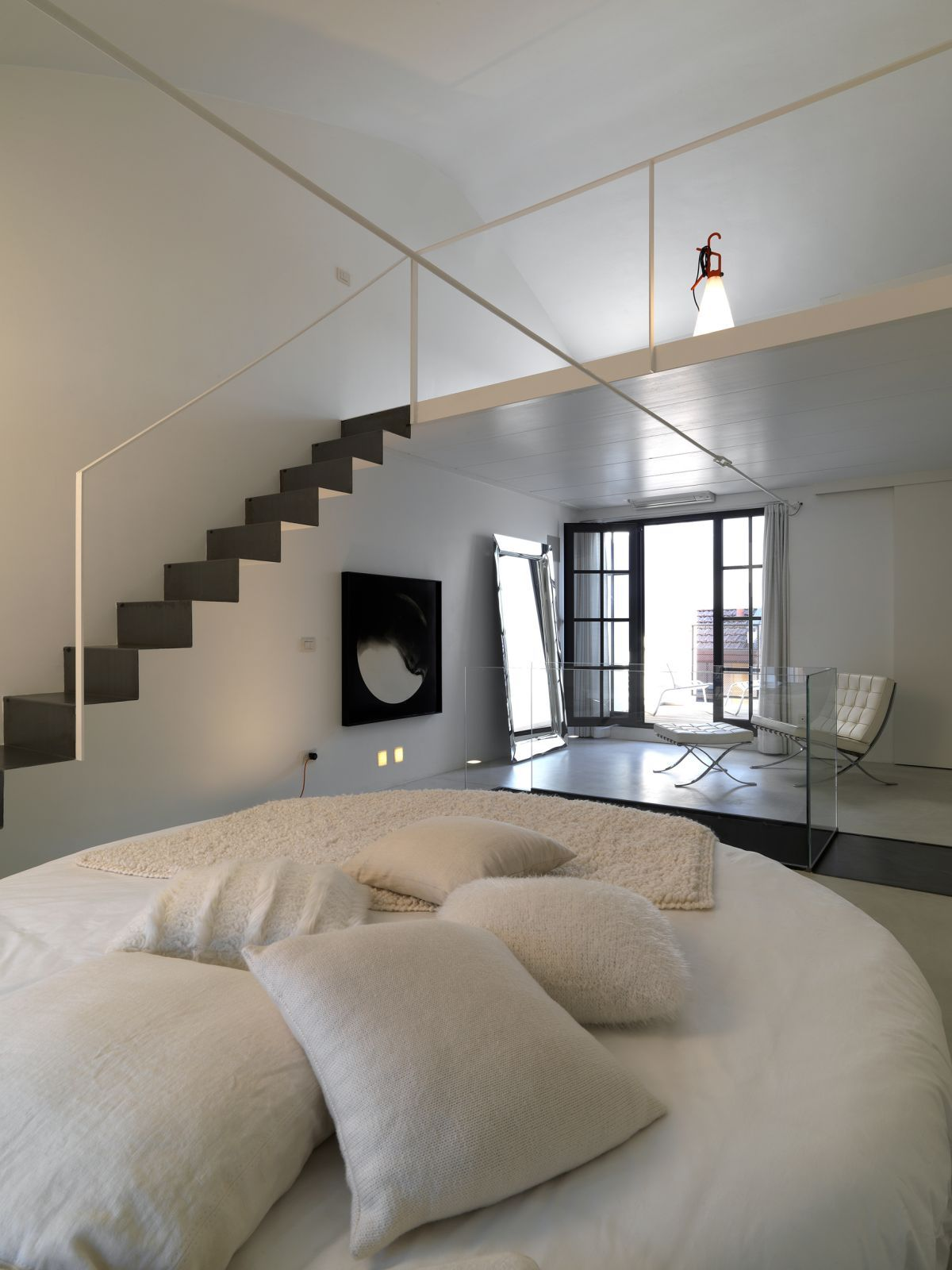 Sumptuous Modern Master Loft Bedroom Interior Designs With Rounded