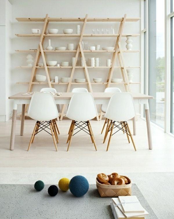 Esszimmer Gestaltung Weiß Holz Regale