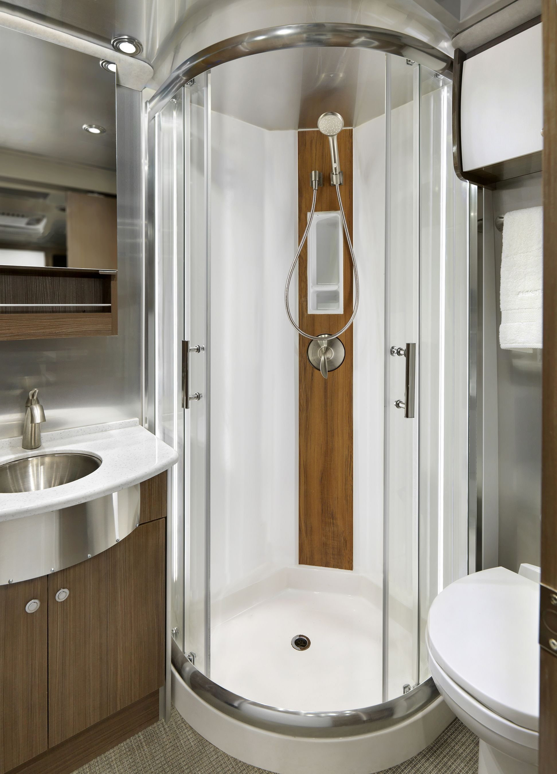 The 2018 Atlas Luxury Mercedes Benz Diesel Motorhome Shower Call Mike Harlan At 239 693 8200 For More Information