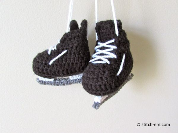 5349ea441986 free crochet baby hockey skates pattern