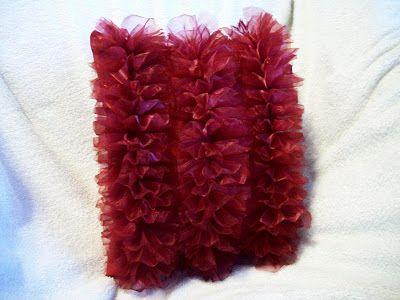 Ameroonie Designs: Fan Ruffle Pillow