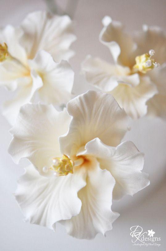 Gum paste flowers | Gum paste | Pinterest | Torten design, Fondant ...