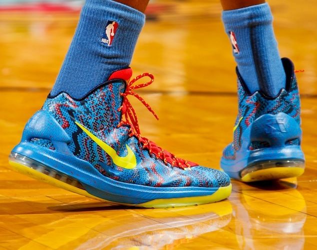 Kevin Durant: Nike Zoom KD V 'Christmas' | shoes | Pinterest ...