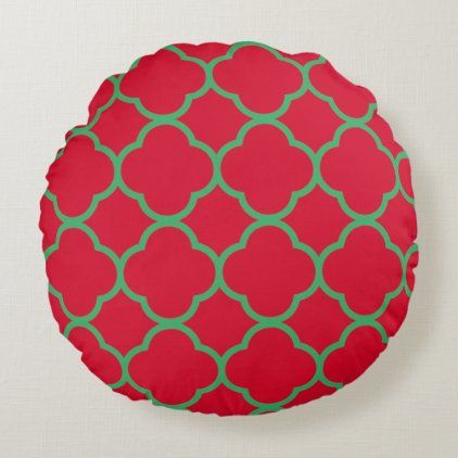 Quatrefoil Patterns Red Green Color Cool Christmas Round Pillow