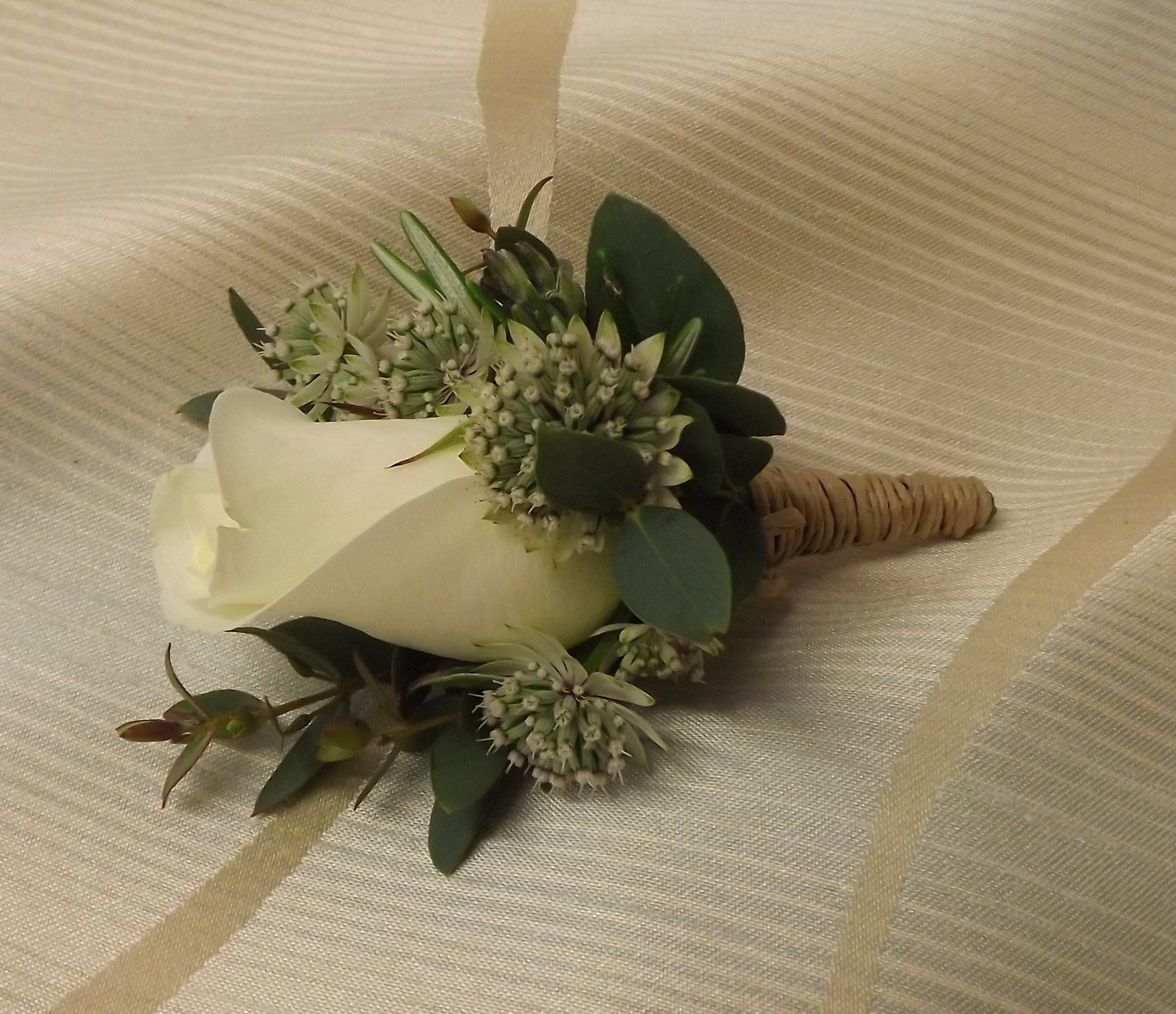 Rose and astranthia with bound stem www.weddingflowersbylaura.com