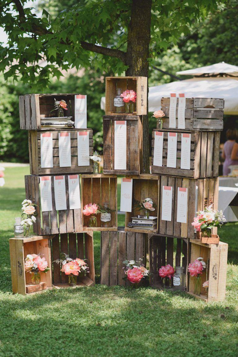 tableau de mariage con cassette di legno e peonie corallo c27b8bd3d61