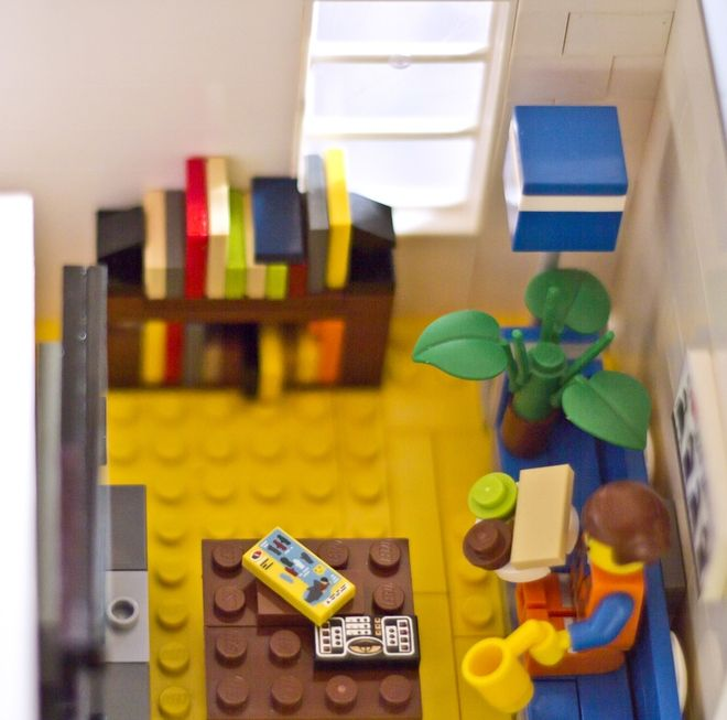 Emmet S Apartment From The Lego Movie Legos Lego Architecture Lego Modular