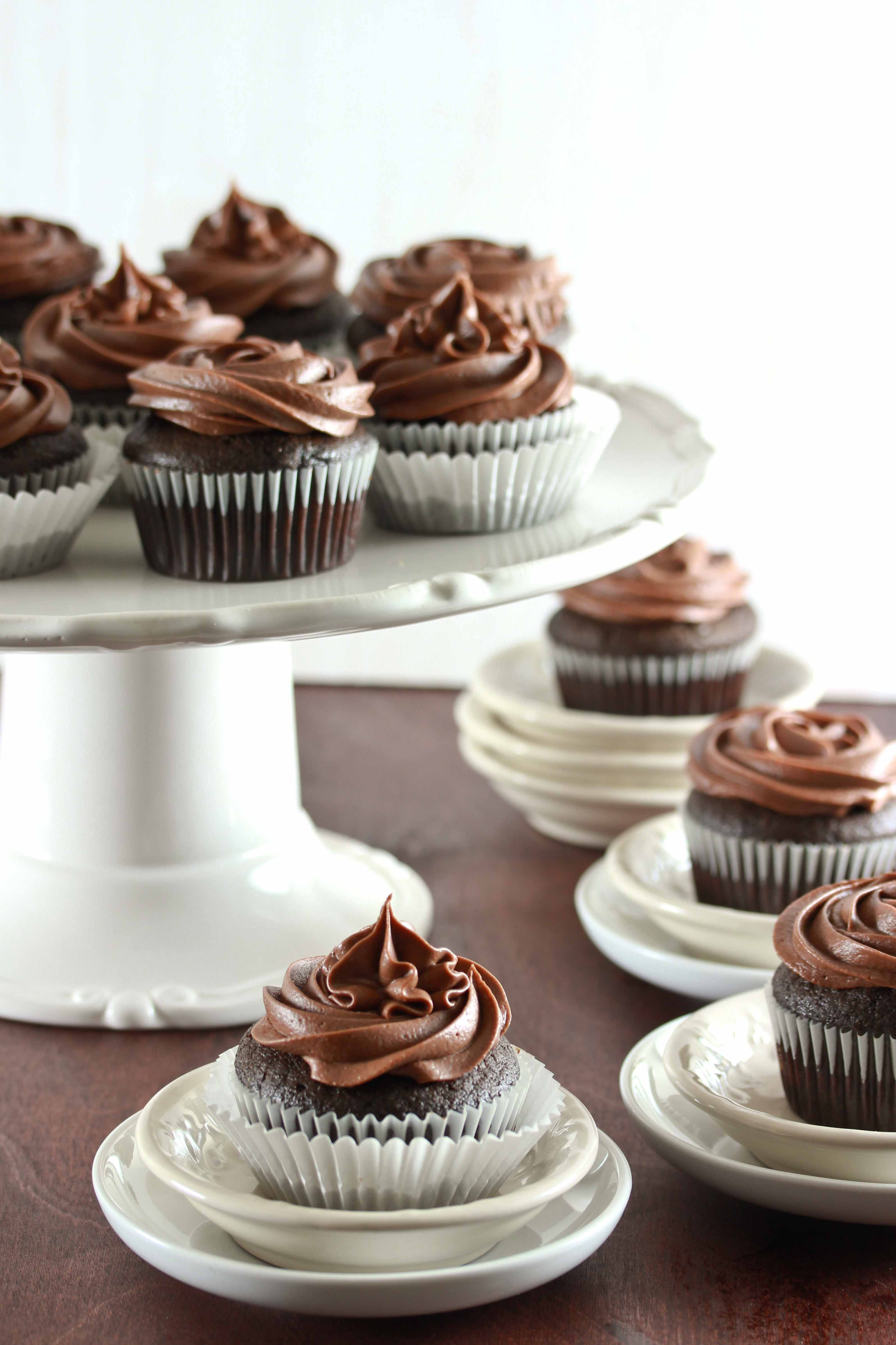 Secret Ingredient Chocolate Cupcakes With Chocolate Sour Cream Frosting Chocolate Cupcakes Sour Cream Frosting Dessert Cupcakes