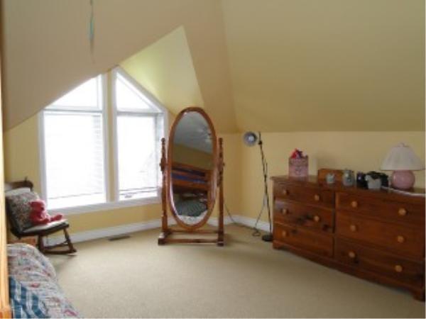 857-SUNCREST Circle - 3rd floor bedroom