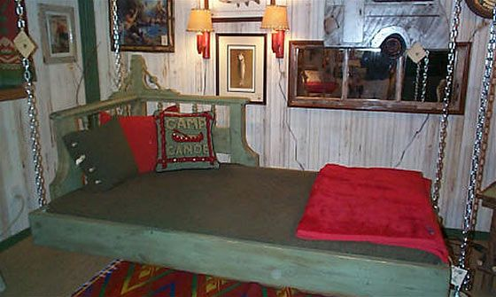 Swinging Chaise Bed