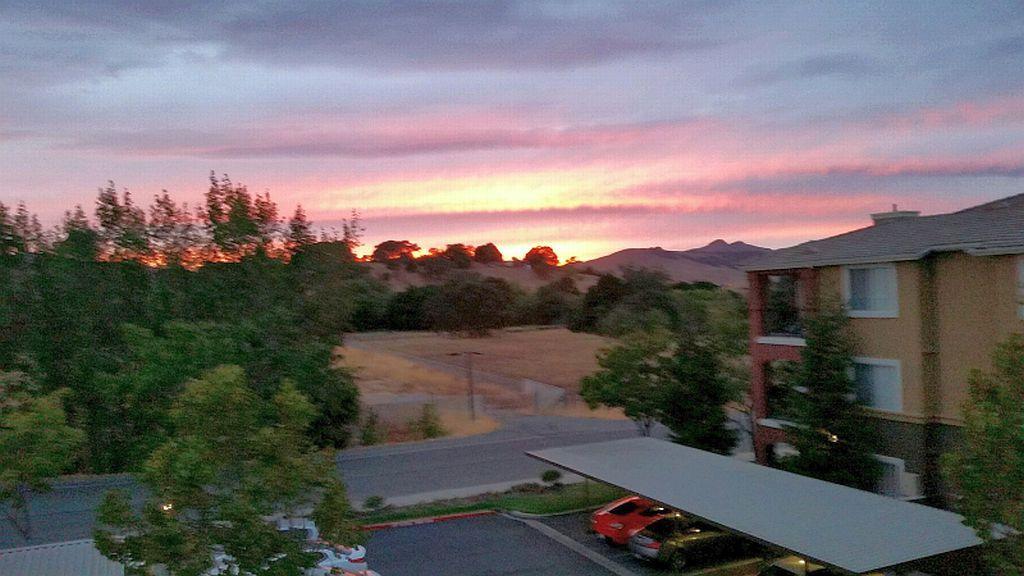 Sunset Suisun City Ca Picture By Vicki Correia Suisun City Sunset City