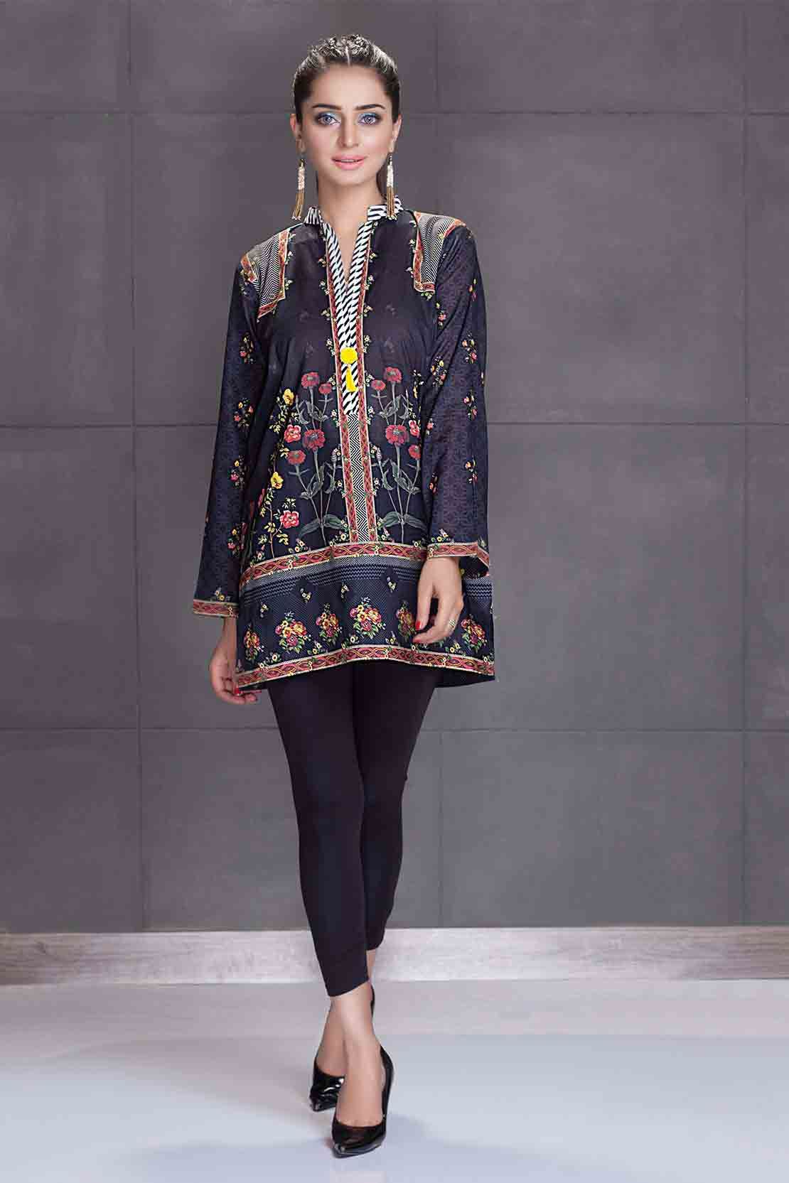 b02bd8cb4 Latest Pakistani Eid Dresses For Girls In 2019 in 2019