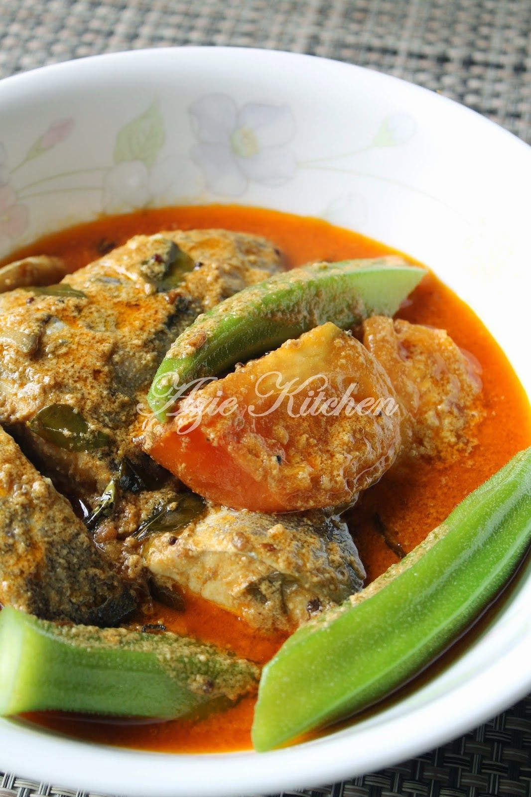 Azie Kitchen: Kari Ikan Aji Aji | Malay food | Pinterest