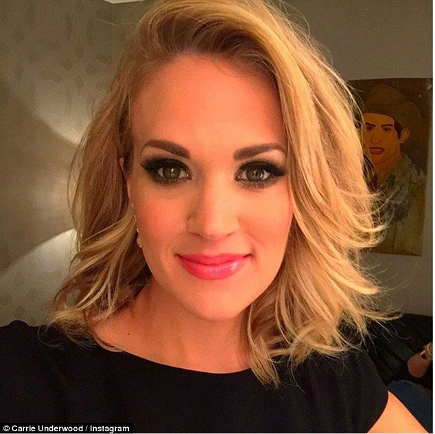 Carrie Underwood showcased her newly trimmed hairstyle on ...