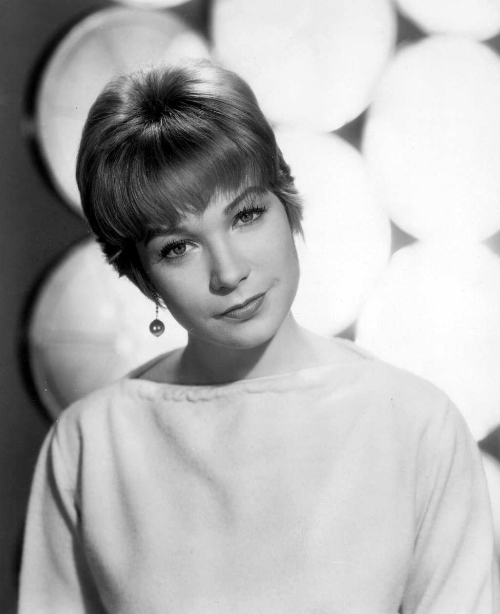 Shirley MacLaine | Shirley maclaine, Movie stars, Actresses