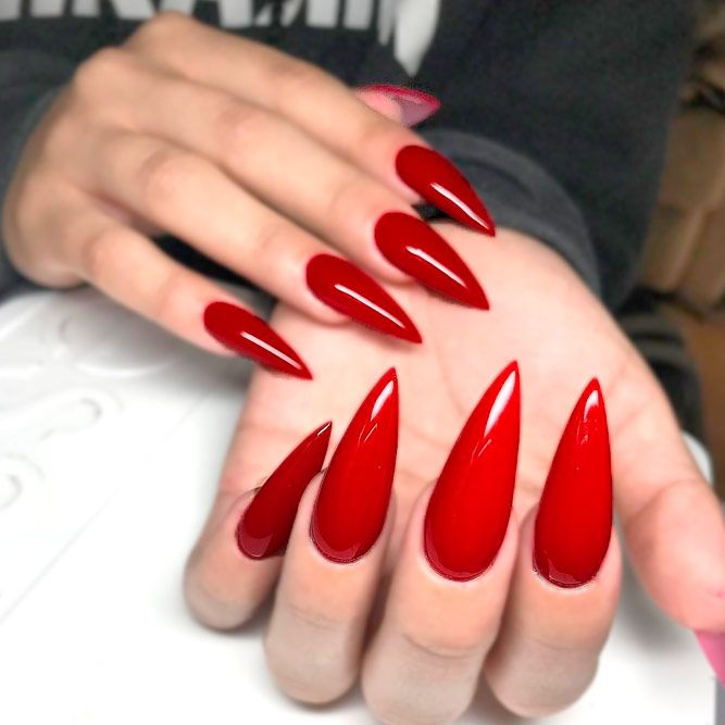 Pin By Angelina On Zseles Kormok In 2020 Red Acrylic Nails Red Stiletto Nails Long Red Nails